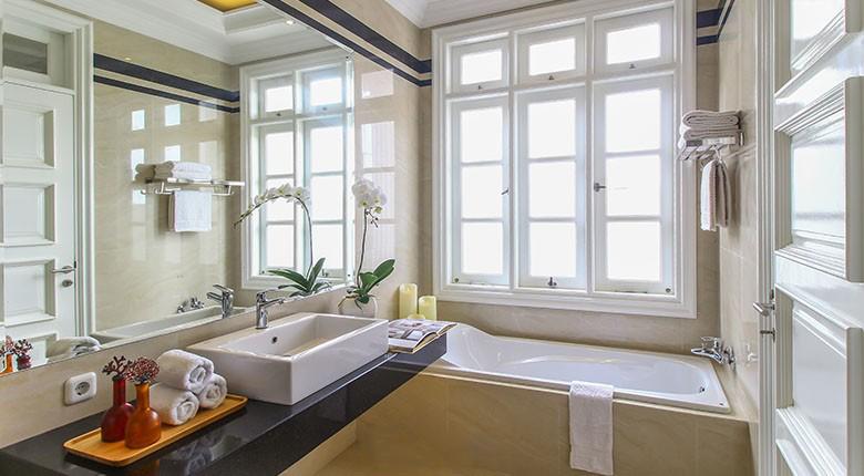 Bathroom Rumah Klasik (Malibu)